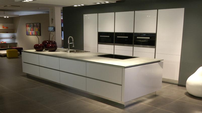Grando Keukens Ixina : La conception de la cuisine La maison de l émission